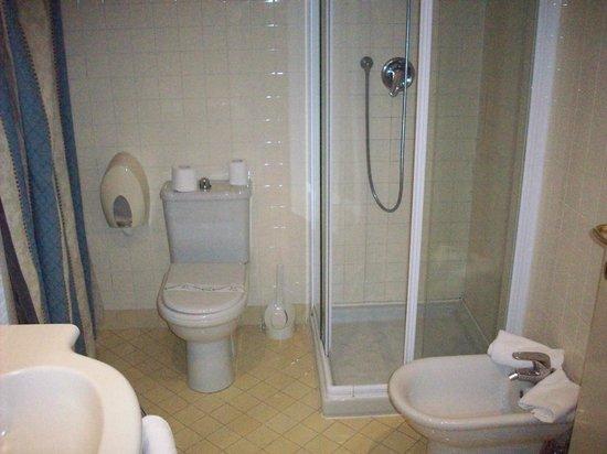 Hotel Dore: bagno
