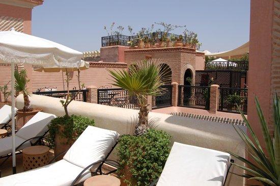 Riad Les Trois Palmiers El Bacha: Terrasse