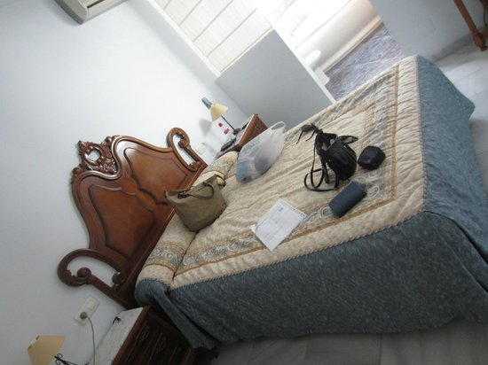 Ana Hostel: one corner of the room