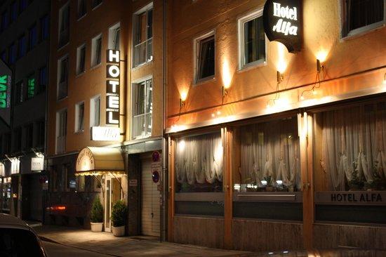 Hotel Alfa Muenchen: ingresso