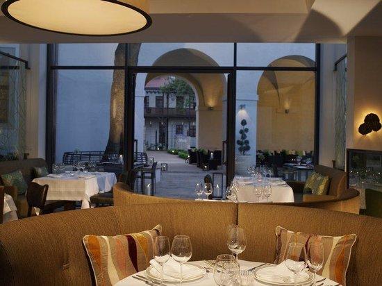 Augustine, a Luxury Collection Hotel, Prague : Elegantes Restaurant