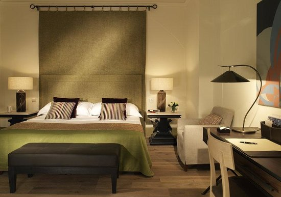 Augustine, a Luxury Collection Hotel, Prague: Suite Bedroom