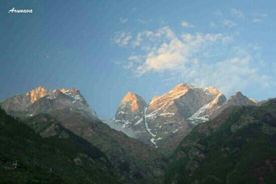 Igloo Nature Camp: sunset light on Kinnaur Kailash. Seen from Igloo at Sangla