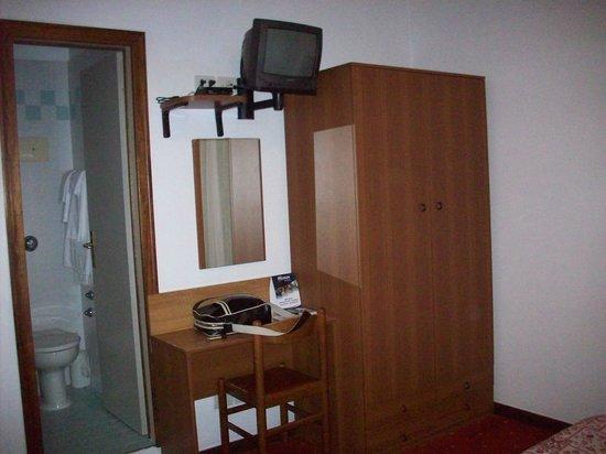 Hotel Ristorante Due Ragni: camera
