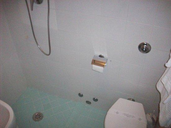 Hotel Ristorante Due Ragni: bagno