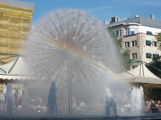 Unique Hotel: 2Kronor dintorni: fontana in Olof Palmegata