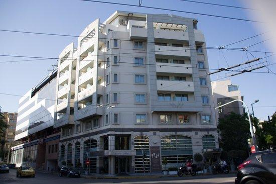 アセニアン カリロエ ホテル, 外観