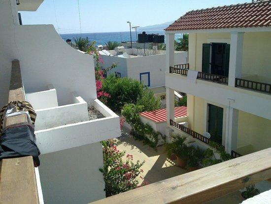 Paloma Garden Hotel : from the balkony to beach