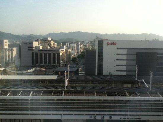 Hotel Nikko Himeji: 駅前を眺める