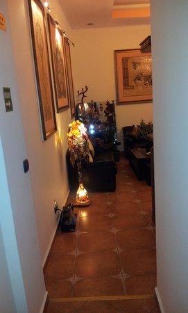 Hotel Voila: The lobby