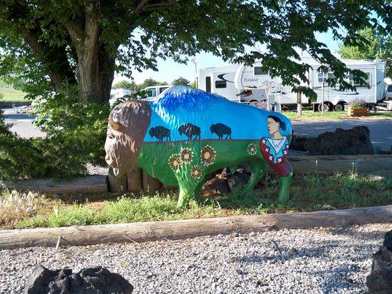 El Reno West KOA: Statue in campground