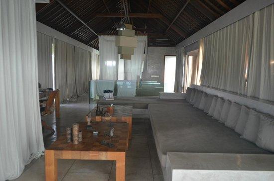 Villa Baraka : master bedroom.. the whole length!