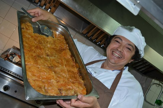Pallini : Cook Dimitry with galaktoboureko