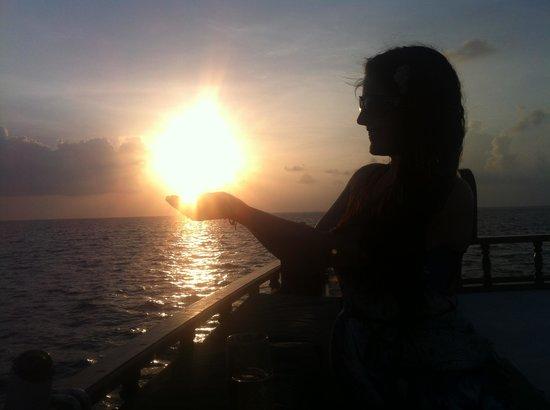 Huvahandhoo Island: Sunset Cruise