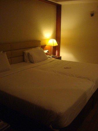 Octave Suites Residency Road: Bedroom