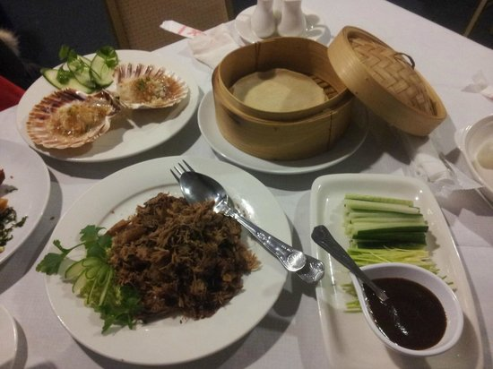 Blue Moon Chinese Restaurant: Duck starter, huge (and delicious)