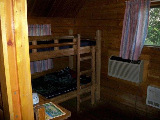 El Reno West KOA : Back bedroom with bunkbeds