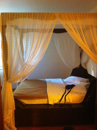 Hotel Altinsaray: hemelbed