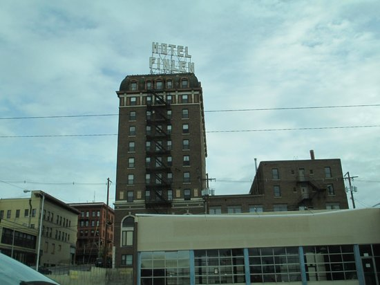 Butte Trolley Tour : abandoned hotel