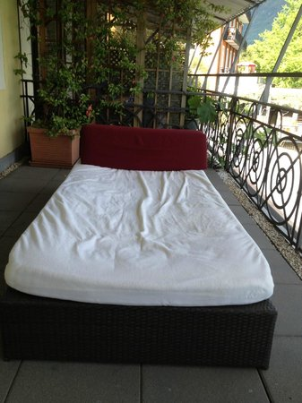 Art Deco Hotel Dellago: day bed on the room terrace