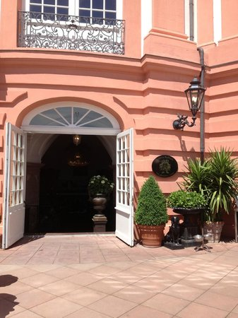Am Schloss Biebrich: Restaurant