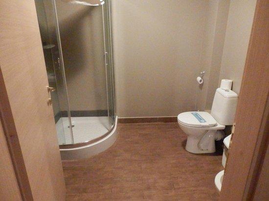 Hemingway Residence Hotel: Bath room 1