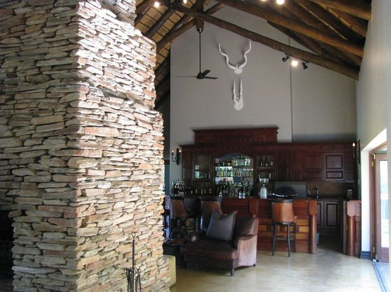 Lion Sands - Tinga Lodge: Comfortable lounge area