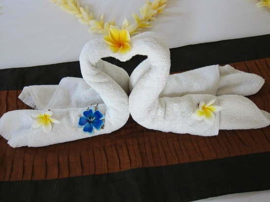Jas Boutique Villas: towels beautifully decorated