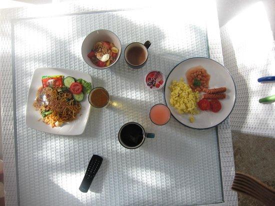 Jas Boutique Villas: Breakfast, pretty yummy