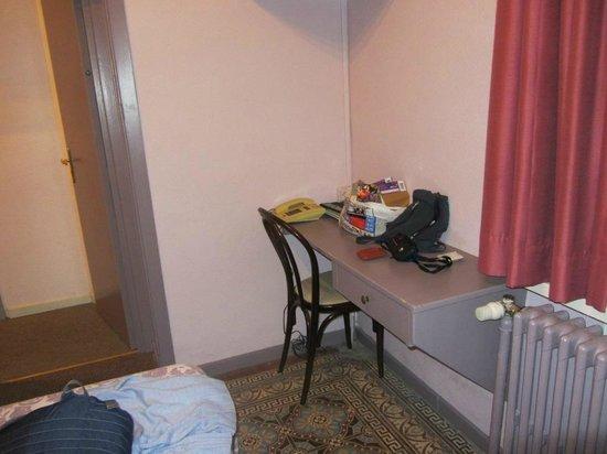 Hotel Sabina: *