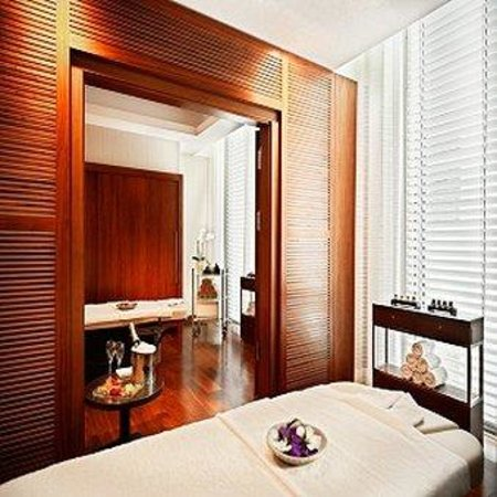 Jumeirah Frankfurt: Talise Spa Couples Treatment Room