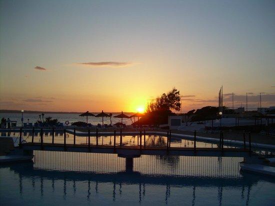 Insotel Club Maryland: tramonto dalla terrazza del bar
