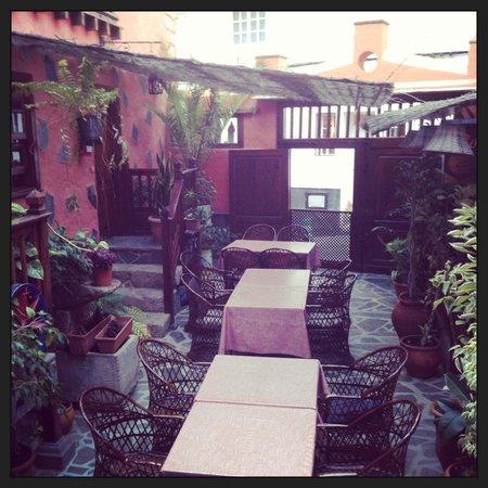 Fonda Central Hotel : Amazing patio