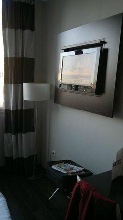Hotel & Spa Villa Olimpica Suites: der bildschirm nach obengerichtet,nicht korrigierbar!