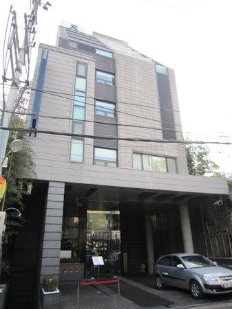 Doulos Hotel: Hotel Exterior