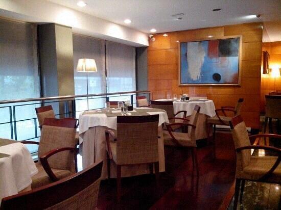 NH Barcelona Entenza: sala colazione