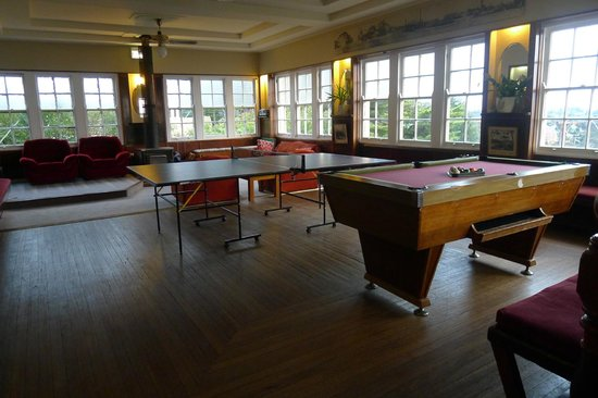 The Cecil Guesthouse: Communal area for activities