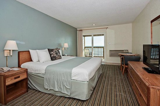 John Yancey Oceanfront Inn: Sea Building Room