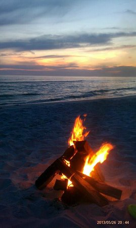 Port Saint Joe, Floride : nightly campfire