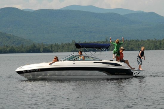 Holderness, Нью-Гэмпшир: Enjoy relaxing, swimming, wildlife, adventure on Squam