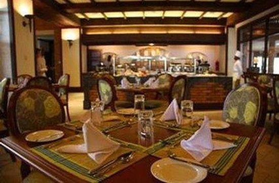 Lake Victoria Serena Golf Resort & Spa: Restaurant