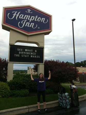 Hampton Inn Syracuse North (Airport Area) : sign out front