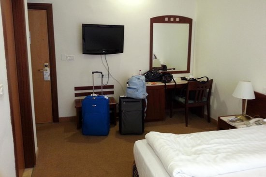 Ambassador Hotel: Camera