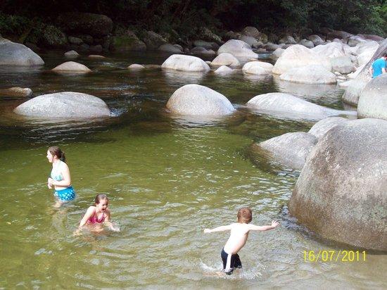 Pinnacle Village Holiday Park: having fun in Mossman