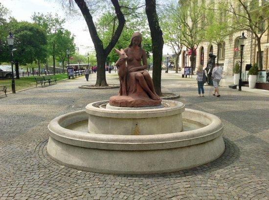 """Hviezdoslavovo Namestie: Fountain """"Girl with a doe"""""""