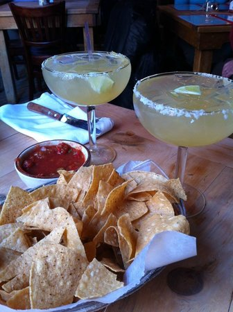 Border Cafe: Margaritas with tortilla corn chips - a must to start your meal