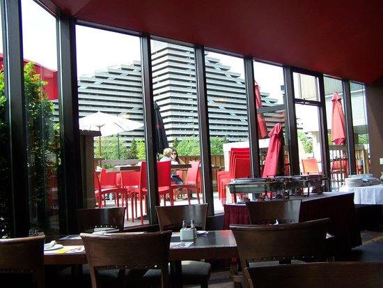 Hotel Universel Montreal : Le Toit Rouge, restaurant de l'hôtel