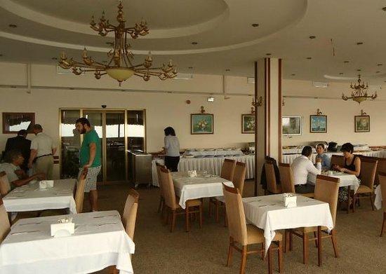 Mersin Hotel: breakfast lounge