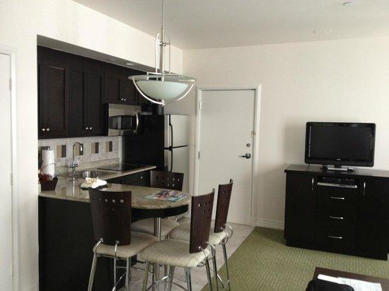 Hilton Grand Vacations at McAlpin-Ocean Plaza: kitchen