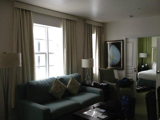 Hilton Grand Vacations at McAlpin-Ocean Plaza: living room